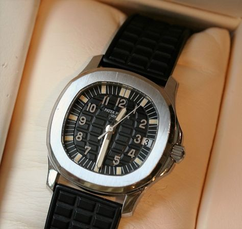 482feb30e98 Patek Philippe Aquanaut 5066 Automatic Gold Rotor Boxes Books Papers Near  Mint