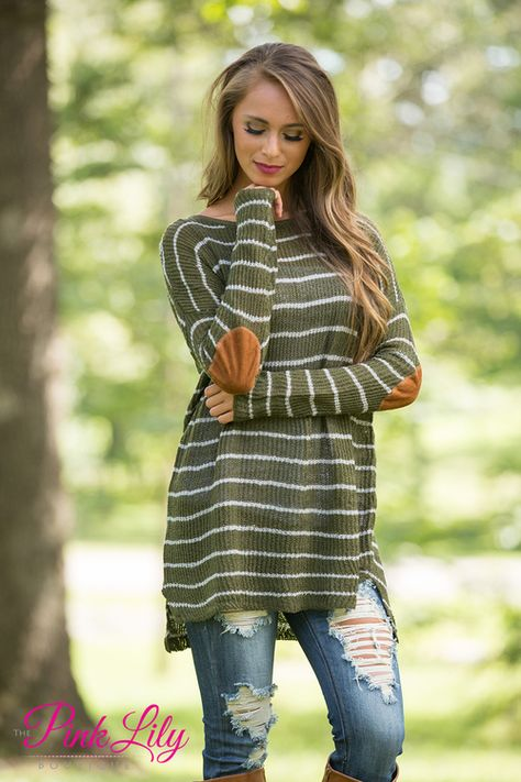 This classic sweater is sure to keep you cozy all season long! We love the beautiful olive green and silver stripes - and paired with the super stretchy and irresistibly soft knit material, it's a stunning way to relax!