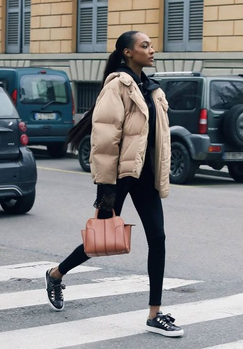 The Tod's Sella Bag, an icon of design, quality and effortless style, as seen on international top models, celebrities and influencers during the Milan Fashion Week. - Total Street Style Looks And Fashion Outfit Ideas