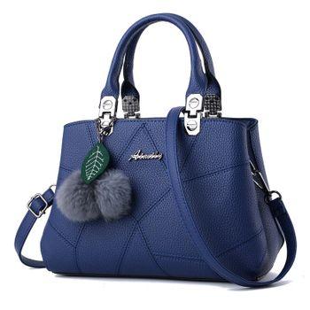 """Képtalálat a következőre  """"kék női táska""""  e67aa1a74d"""