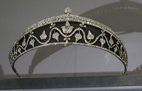 Cartier Black Enamel Ivy Leaf Tiara - alt pin