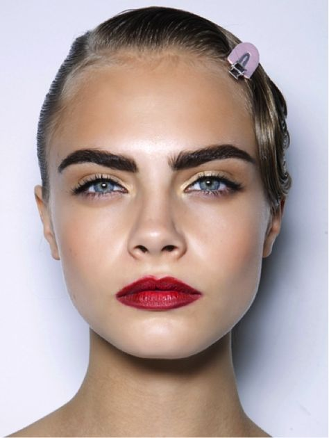 Cara Delevingne Without Makeup Above Cara Delevingne these dark brows look amazing teamed with