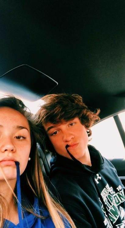 Cute Couples Teenagers, Teenage Couples, Couple Goals Teenagers, Cute Couples Photos, Cute Couple Pictures, Cute Couples Goals, Cute Boyfriend Pictures, Goofy Couples, Romantic Couples