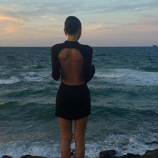 Cameliafarhoodi Instagram Photos And Videos In 2021 Perfect Dress Instagram Moods Style 2021