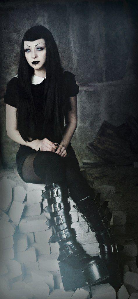 Gothic People 40528