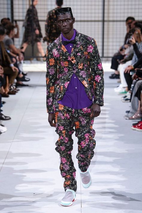 Comme des Garçons Homme Plus Spring 2019 Menswear collection, runway looks, beauty, models, and reviews.