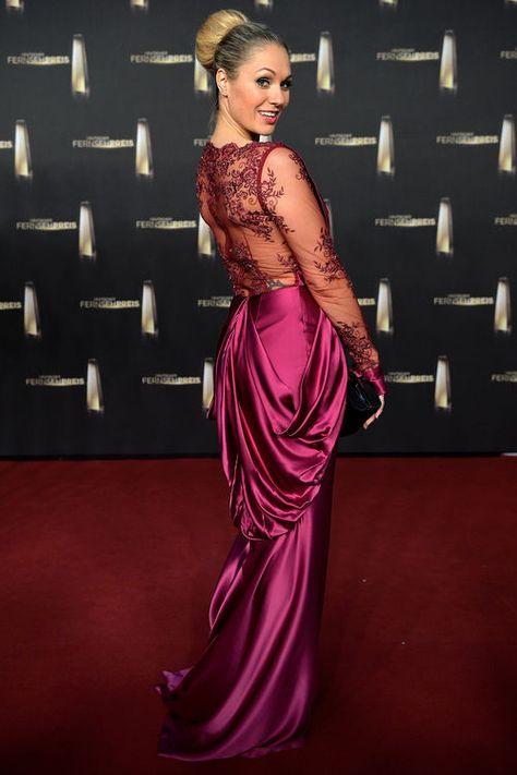 Ruth Moschner Zockte Bei Der Tv Total Pokerstars De Nacht Alle Ab Moschner Ruth Moschner Langes Abendkleid