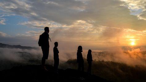 Puncak Gunung Ireng Patuk Yang Menawan Di Gunungkidul
