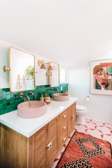 This bohemian bathroom makeover is full of bright colors and cool textures. This bohemian bathroom makeover is full of bright colors and cool textures. Bathroom Styling, Home Buying, Bathroom Inspiration, Monochromatic Bathroom, Bohemian Style Bathroom, Bathroom Decor, Bathroom Interior, Bathroom Makeover, Bathrooms Remodel