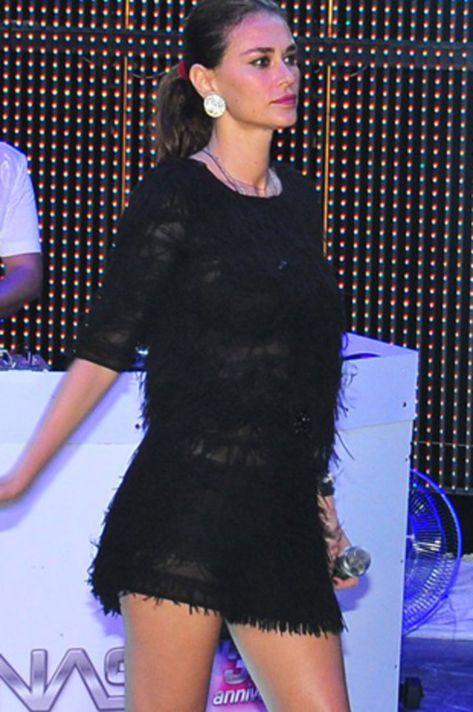 Ayse Hatun Onal 0014 Fashion Tshirt Dress Celebrity Pictures