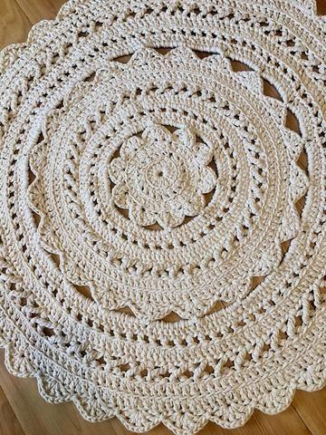Kay S Crochet Giant Doily Rug In Cream Cottage Chic Rug Doily Rug Rugs Cottage Chic