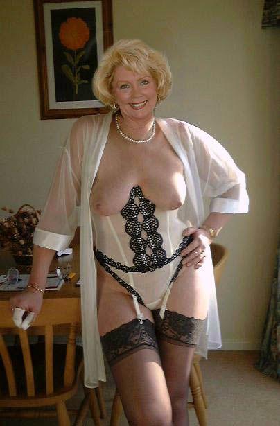 Older sexy grannies