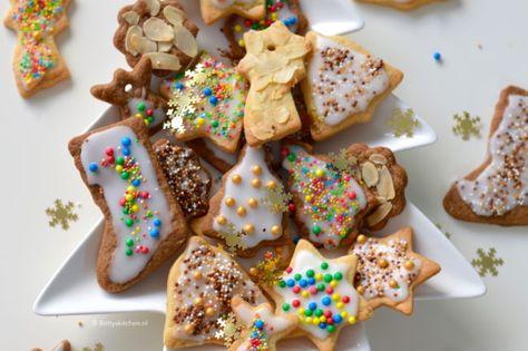 recept: kerst koekjes maken (video) | recept | desserten | pinterest