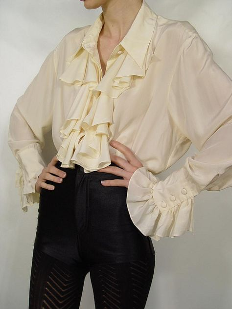 Diane Von Furstenberg Cream Silk Ruffle Poet Blouse 7 - How To Be Trendy Look Man, Cool Outfits, Fashion Outfits, Punk Fashion, Lolita Fashion, Fashion Art, Pirate Fashion, Androgynous Fashion, Unique Fashion