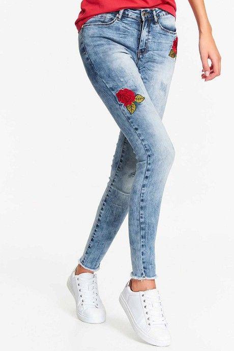 fed8d6c07ff Jeans Top Secret, 2019   Γυναικεία στενά τζιν   Τζιν, Στενά τζιν και ...