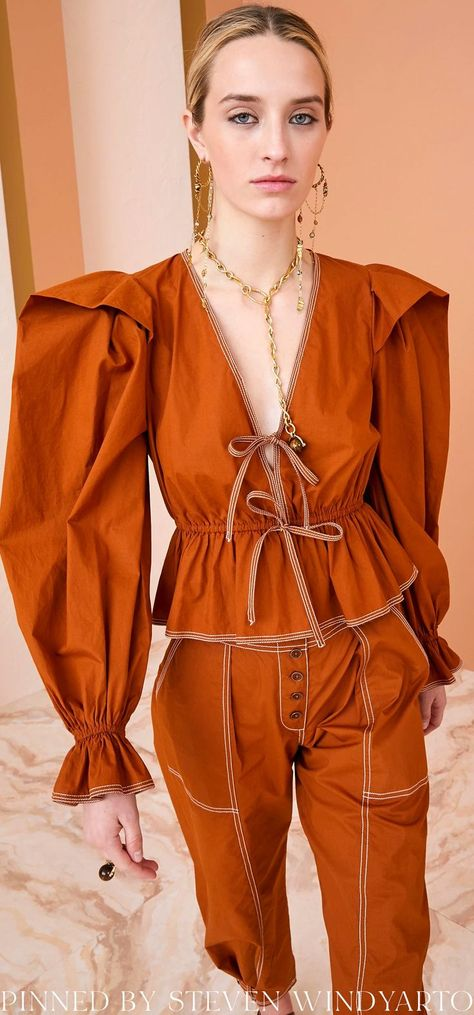 Ulla Johnson Fall 2021 Lookbook - Sabina Blouse #fall2021 #fw21 #womenswear #ullajohnson