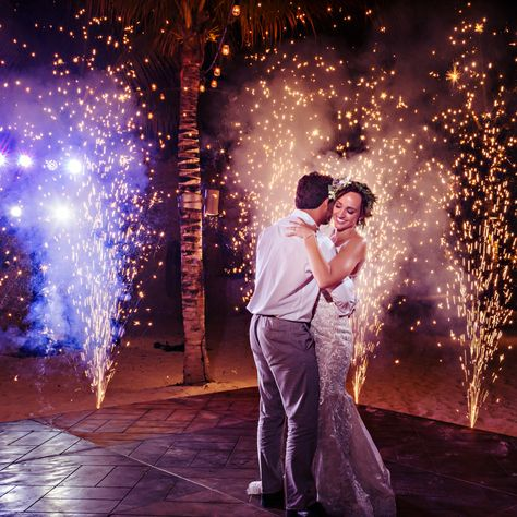 🤵‍♂️👰‍♀️ Mike& Liz 📸@quetzalphoto 🏨Hotel Xcaret Mexico 🌅Riviera Maya / Playa del Carmen #weddingdress #weddingday #weddingphotography #receptiondecor #receptiondress #love #weddingideas #weddinggown #receptiondesk #receptionvenue #receptionmakeup #weddingflowers #weddingdecor #groom #weddingplanner #weddingvenue #receptionhall #réception #receptionideas #weddinghair #receptionist #photography #weddingbells #makeupartist #receptionflowers #instagood #bridalmakeup #flowers #receptionday