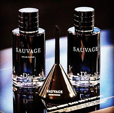 عطر الرجالي Dior Sauvage Eau De Parfum عطر Sauvage Eau De Parfum هو عطر يبدو أكثر دفئ ا وإغراء ا من كبار السن Parfum Dior Perfume Bottles Perfume