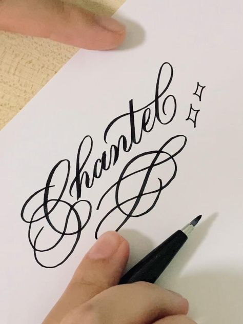 Using the pentel touch brush pen here too. If you're interested in learning calligraphy, check out my online calligraphy course via the link in this post! ❤️ #calligraphy #brushlettering #brushpencalligraphy #brushcalligraphy #flourishing #flourishforum #calligraphymasters #calligraphyalphabet #brushpenart #brushpen #aesthetic #oddlysatisfying #cursive #cursivepractice #penmanship #penmanshippractice #moderncalligraphy #chantel