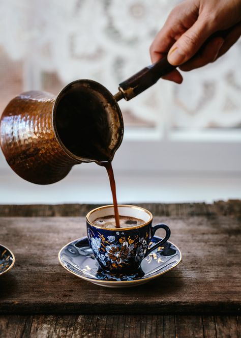 Cappuccino - How To Make This Rich, Dark Coffee - Coffee Is Life, I Love Coffee, Coffee Art, Coffee Break, My Coffee, Coffee Drinks, Morning Coffee, Ginger Coffee, Coffee Lovers