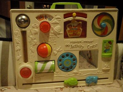 Fisher-Price Activity Center - One of my favorite childhood toys! 90s Childhood, My Childhood Memories, Sweet Memories, Childhood Images, Fisher Price Toys, Vintage Fisher Price, 80s Kids, Kids Toys, Crib Toys