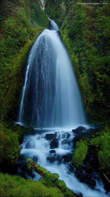 Wahkeena Falls, Columbia River Gorge, Oregon.... another place to visit this summer