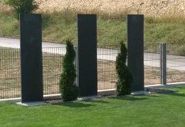 Schieferplatten Kombiniert Mit Pflanzen Stelen Garten Sichtschutz Garten Garten