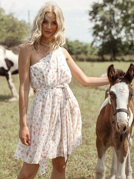 Biala Sukienka Na Jedno Ramie W Kwiaty My Love