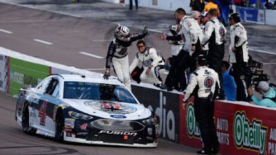 Nascar Notes Odds To Win 2018 Can Am 500 At Phoenix Nascar Race Cars Can Am 500 Monster Energy Nascar Cup Series
