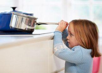 Como Prevenir Accidentes De Ninos En Casa Seguridad En La Cocina