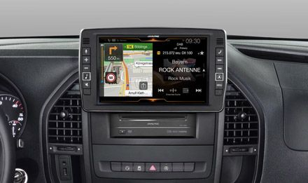 The X902D-V447 for Mercedes Vito features a huge 9-inch