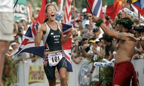 The British triathlete Chrissie Wellington broke the women's triathlon marathon record as she won a second consecutive Ironman world championship in Hawaii