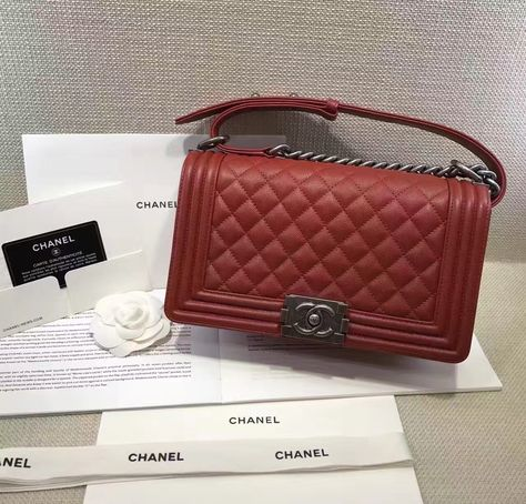 c4ac2817ebf2a1 Authentic Quality 1:1 Mirror Replica Chanel Boy Flap Medium Red Caviar  Leather Silver Hardware A67086
