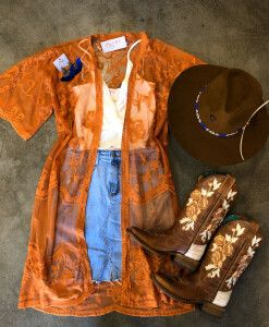 The Effective Pictures We Offer You About Concert Outfit grunge A quality picture can tell you many Country Girl Outfits, Cute Cowgirl Outfits, Western Outfits Women, Southern Outfits, Rodeo Outfits, Cute Fall Outfits, Western Dresses, Preppy Outfits, Cute Country Clothes