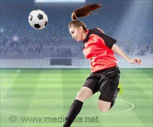 Soccer Heading Puts More Women At Risk For Brain Injury Than Men Soccer Brain Injury Football