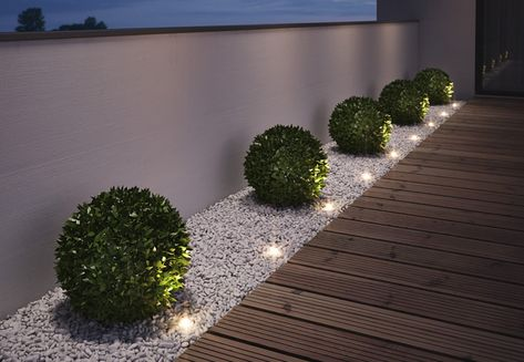 "Gartenleuchten – schönes Licht für draußen: Mobil: LED-Gartenleuchte ""Oco"" von Santa & Cole Just as big as two paperclips are the ""Noxlite LED Garden Spots"" from Osram. Nine of them are connected to a 10 meter cable with … Back Gardens, Outdoor Gardens, Small Front Gardens, Modern Front Yard, Front Yard Ideas, Front Garden Ideas Driveway, Front Yard Garden Design, Front Yard Decor, Front Walkway"