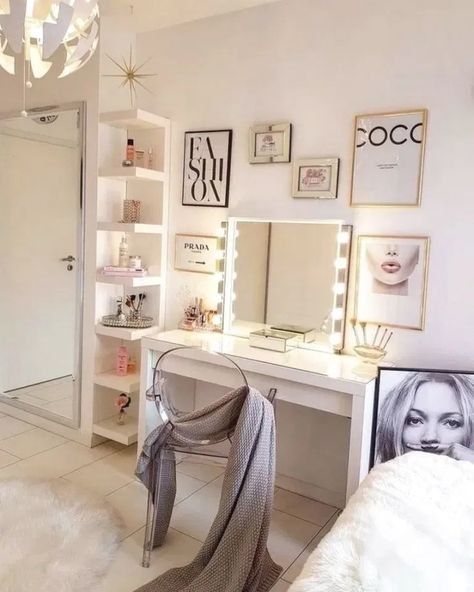 45 Awesome Makeup Vanities & Case For Stylish Bedroom ~ Home Design Ideas