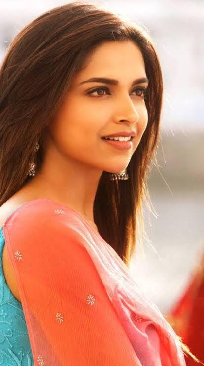 Deepika Padukone Biography Age Height Net Worth Family Movies Buzzzfly Deepika Padukone Style Bollywood Celebrities Deepika Padukone