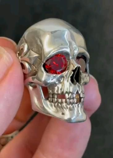 High polish Fleur de Lis Skull Ring with inferno fire 🔥 stones.