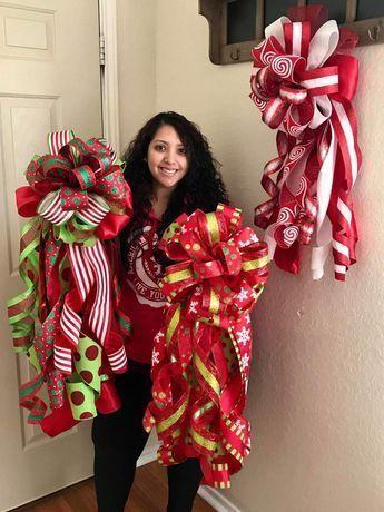 Diy Christmas Bows Ribbon Deco Mesh Ideas For 2019 Diy Christmas Tree Topper, Diy Tree Topper, Burlap Christmas Tree, Christmas Towels, Christmas Swags, Diy Christmas Ornaments, Holiday Wreaths, Family Christmas, Christmas Decor
