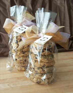 Bake Sale 50 Ways to Package Holiday Cookies: Ideas & Inspiration for Wrapping Cookie Gifts - bystephanielynn