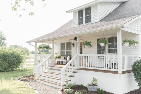 21 of the Prettiest Farmhouse Style Porches to Inspire You