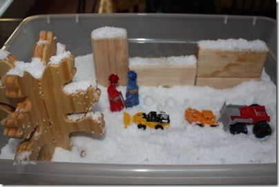 The Snowy Day sensory tub #winter #sensorytub #BFIAR