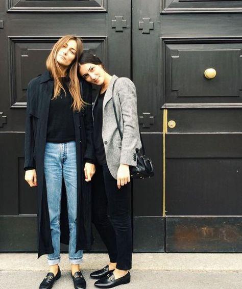 Street style jeans and trench blazer black blue fashion Paris London style km