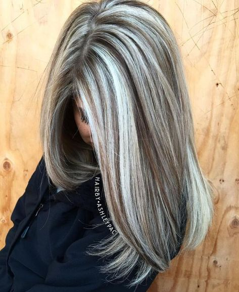 Warm Light Brown Hair With Silver Blonde Highlights hair highlights 60 Shades of Grey: Silver and White Highlights for Eternal Youth Long Gray Hair, Silver Grey Hair, Grey Hair Dye, Silver Hair Colors, Trendy Hair Colors, Ash Gray Hair Color, Silver Ash, Grey White Hair, New Hair Colors
