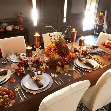Amazing Thanksgiving Table Decoration Ideas On A Budget; Thanksgiving; Thanksgiving Table; Table Decoration; Table Decoration Ideas; Thanksgiving Table Decoration; Thanksgiving Decoration; Thanksgiving Decor; Table Decor;