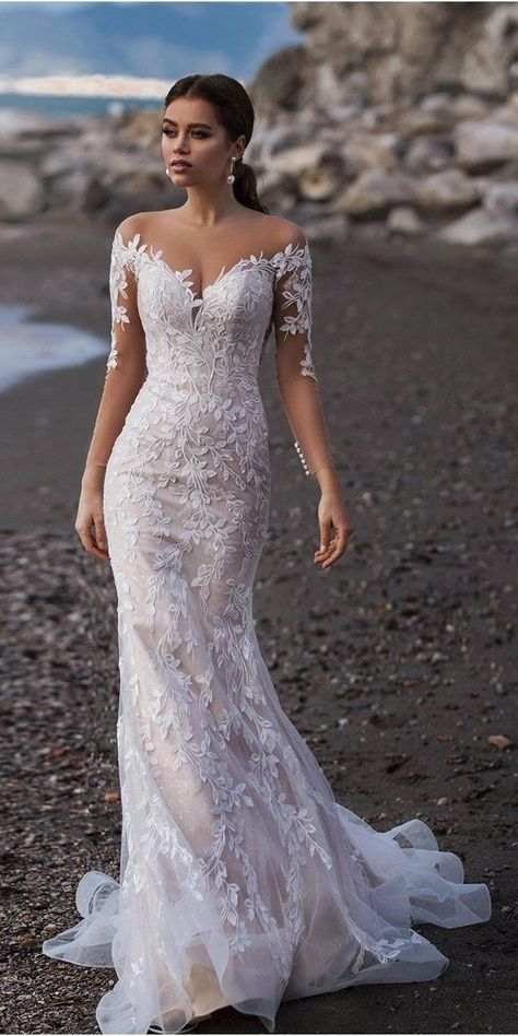 Lace wedding dresses and bridal wedding gowns, mermaid wedding dresses, ball gowns, simple wedding dresses #wedding #2020 #etsy #weddingdresses #bridaldress