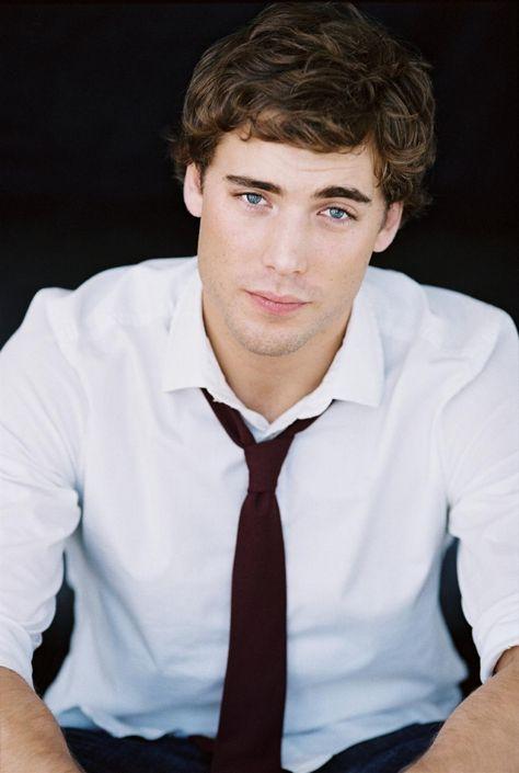 Dustin Milligan.