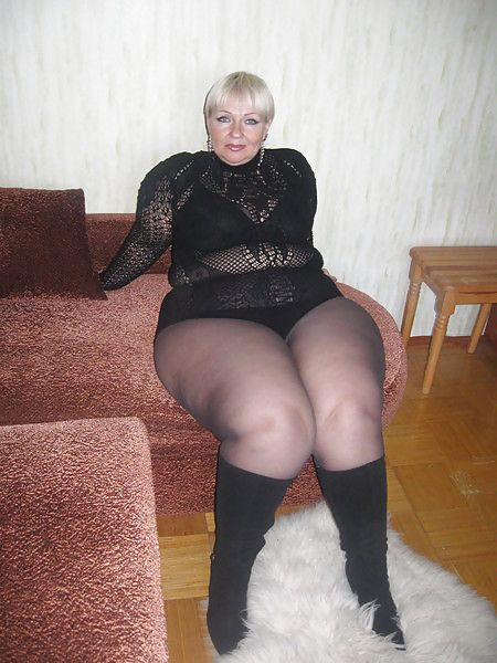 Chubby mature nylon legs movies