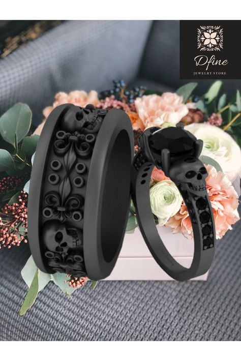 Skull Rings   Skull Wedding Rings   Black Rings   Couple Rings   His And Hers   Love rings   Proposal rings   Engagement Rings   Couple Goals   Onyx Ring   Couple Fashion   Couple Jewelry   Wedding #dfinejewelrystore